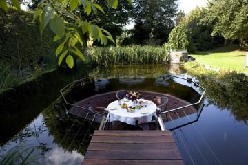 terrasse plongée afin que vous puissiez observer les poissons nageantes.